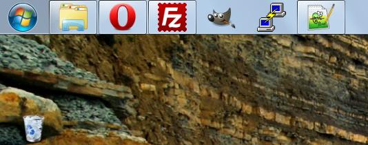 Панель задач в верхней части экрана